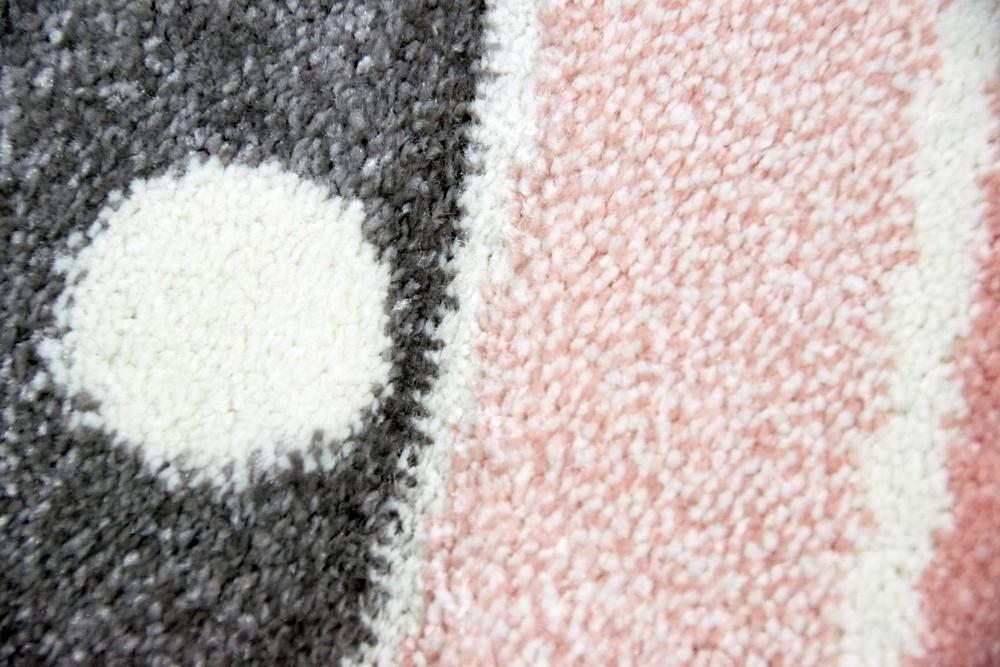 teppich f r kinderzimmer mit stern pflegeleicht allergiker geeignet und preiswert. Black Bedroom Furniture Sets. Home Design Ideas